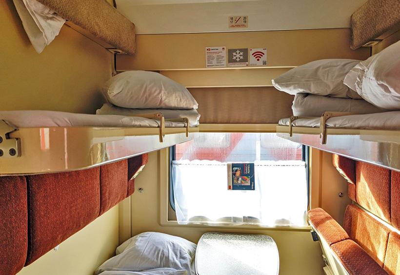 クペ(2等寝台)の2段ベッド