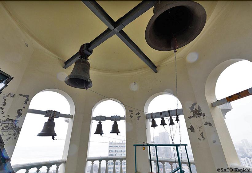 鐘楼の大小の鐘
