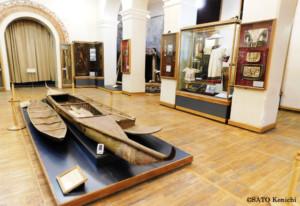 先住民の船