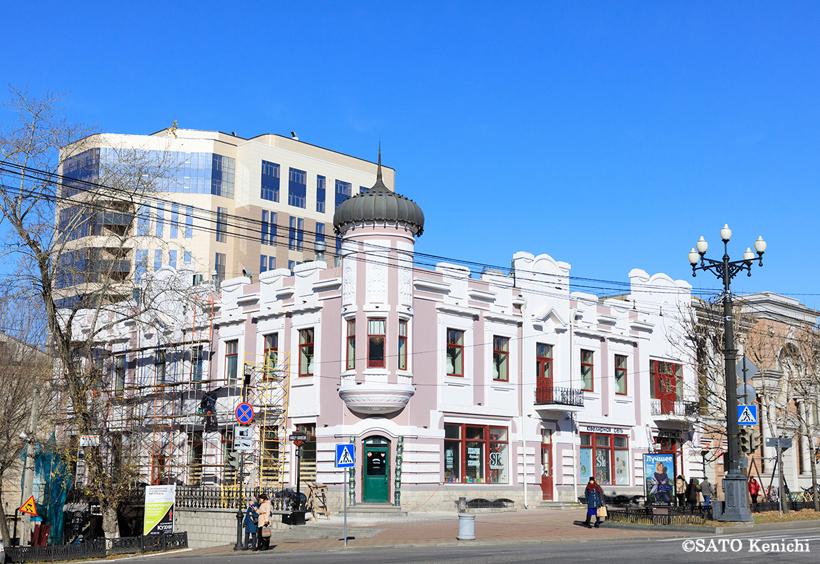 ハバロフスク市の文化遺産として知られる歴史的な建築