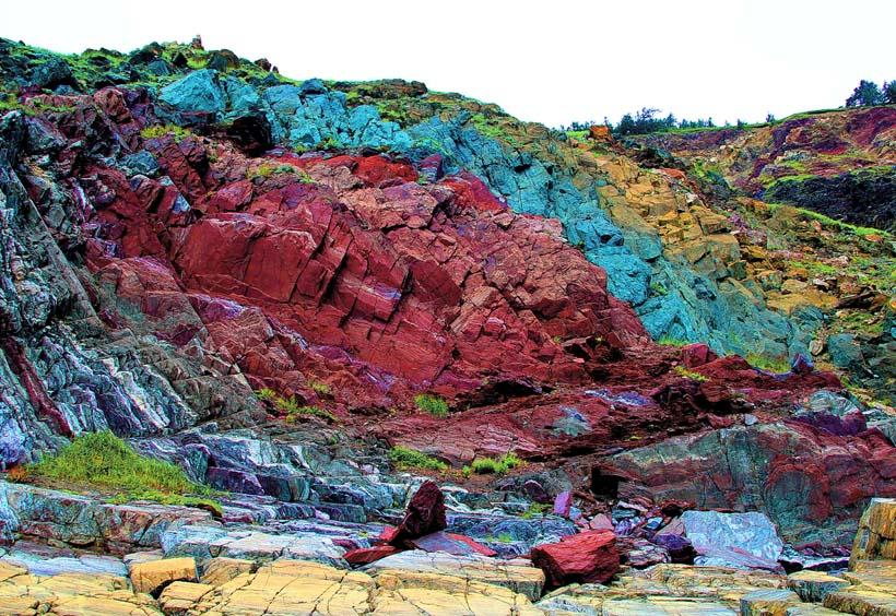 碧玉の巨大な崖があるラドゥジニー岬