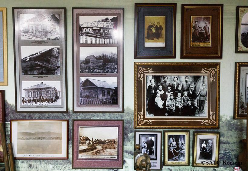 入植当時のロシア人の建てた木造家屋や家族の写真