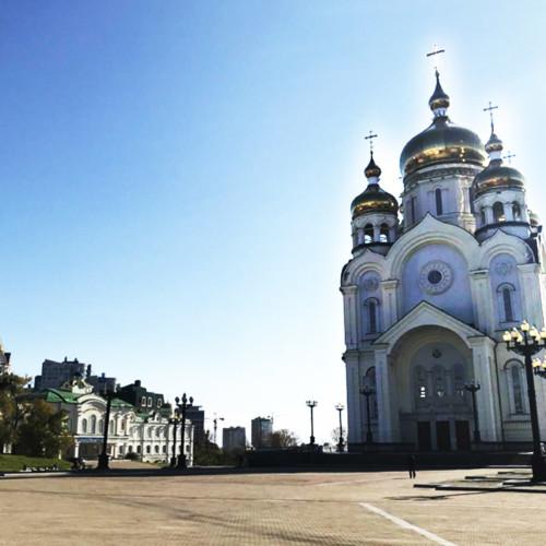 金色の屋根が美しいスパソ・プレオブラジェンスキー教会