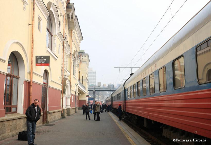 ウラジオストク発「ロシア号」は、今夜もモスクワに向けて発車しています