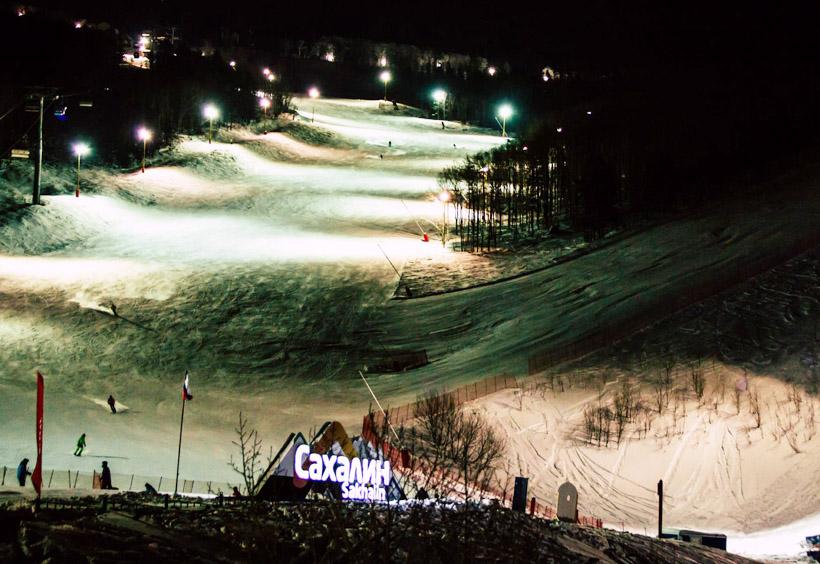 日本と比べると、ずいぶんリーズナブルにスキーが楽しめますよ