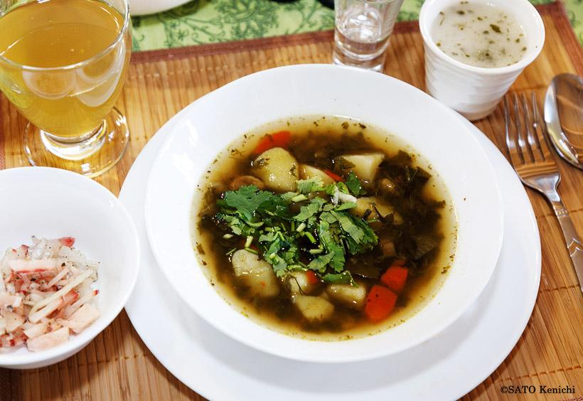 トナカイの肉入りスープ