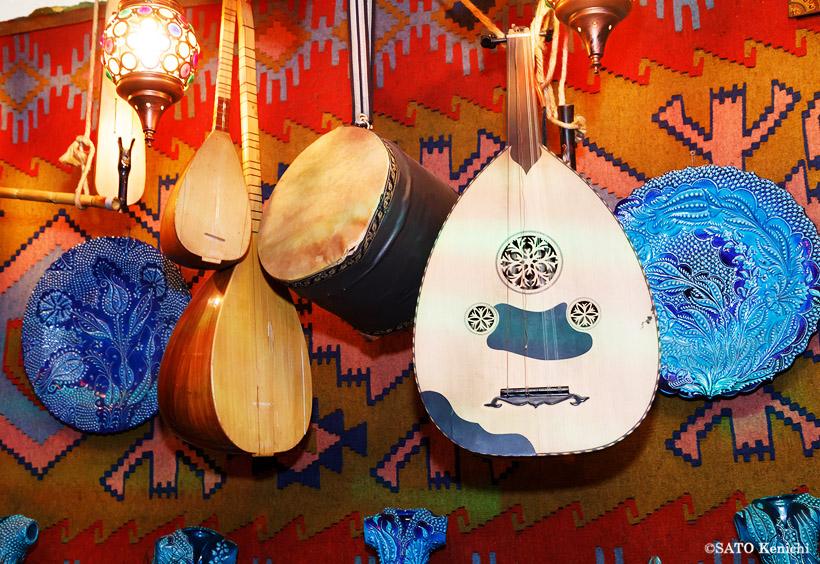 アラビアの弦楽器