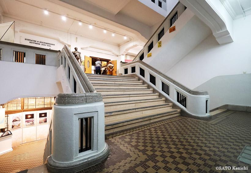サハリン州立歴史博物館の展示室は地下1階から2階まで