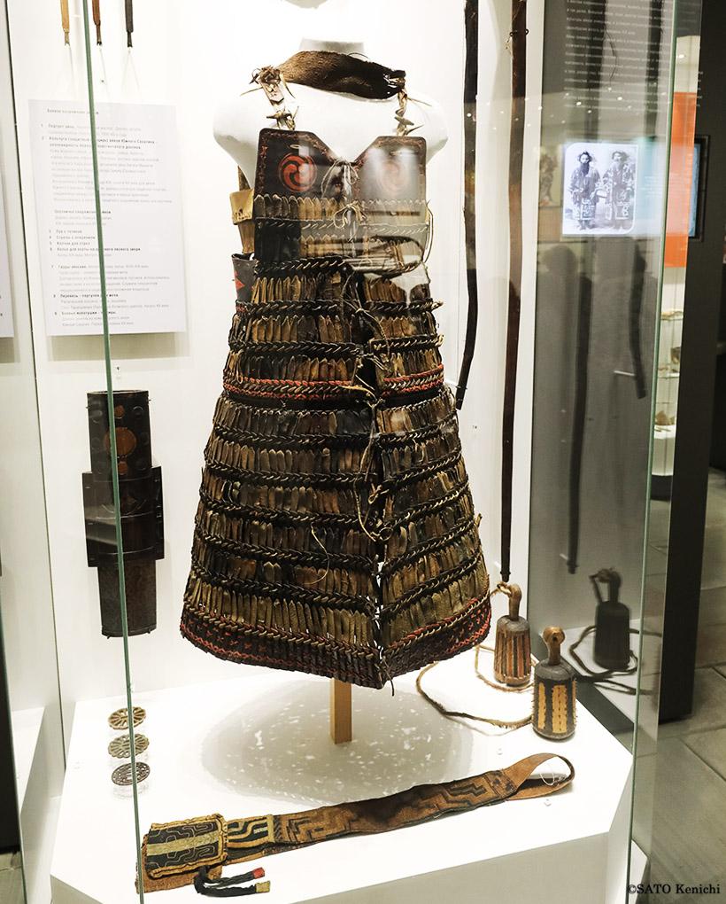 同館が収蔵する代表的なコレクションのひとつが、アイヌの挂甲(古代鎧)です