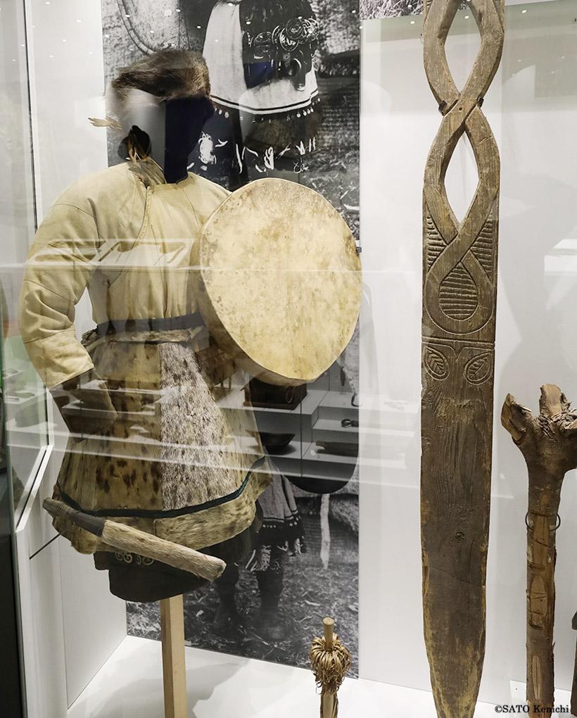 サハリンに住んでいた先住民族たちにとって世界と交信し、ときに預言や治療などを行うシャーマンは大切な存在