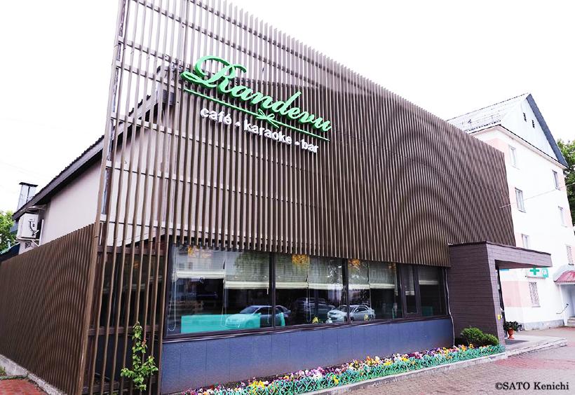 カフェスタイルのおしゃれな韓国料理店が「カフェ・ランデブー(Рандеву)」