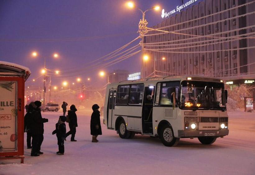 ヤクーツクのバス停