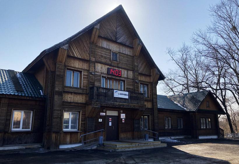 極寒のハバロフスク周辺では木造駅舎自体が少ない