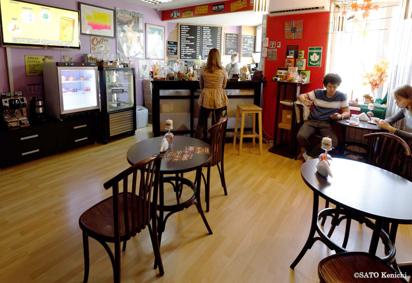 「イーエルカフェ(Elcafe)」は本当にこぢんまりとした店
