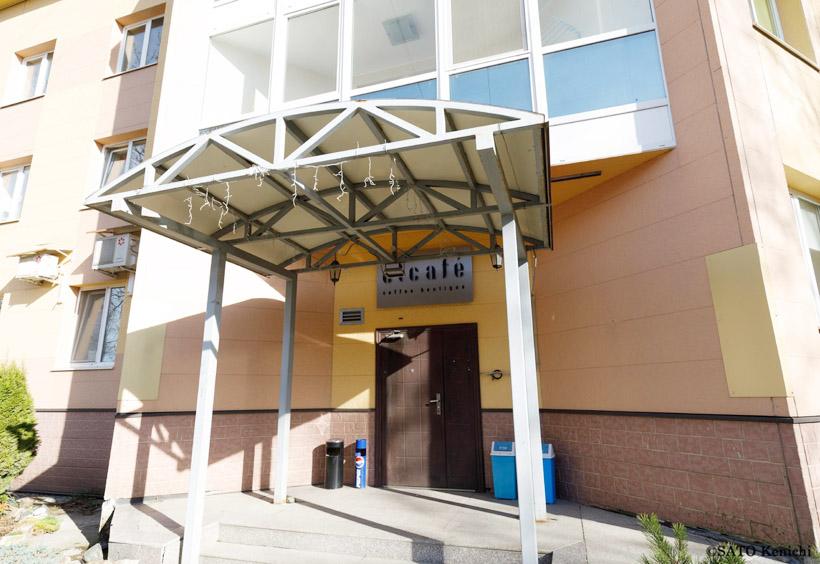「イーエルカフェ(Elcafe)」は集合住宅の一室を改装して使っています