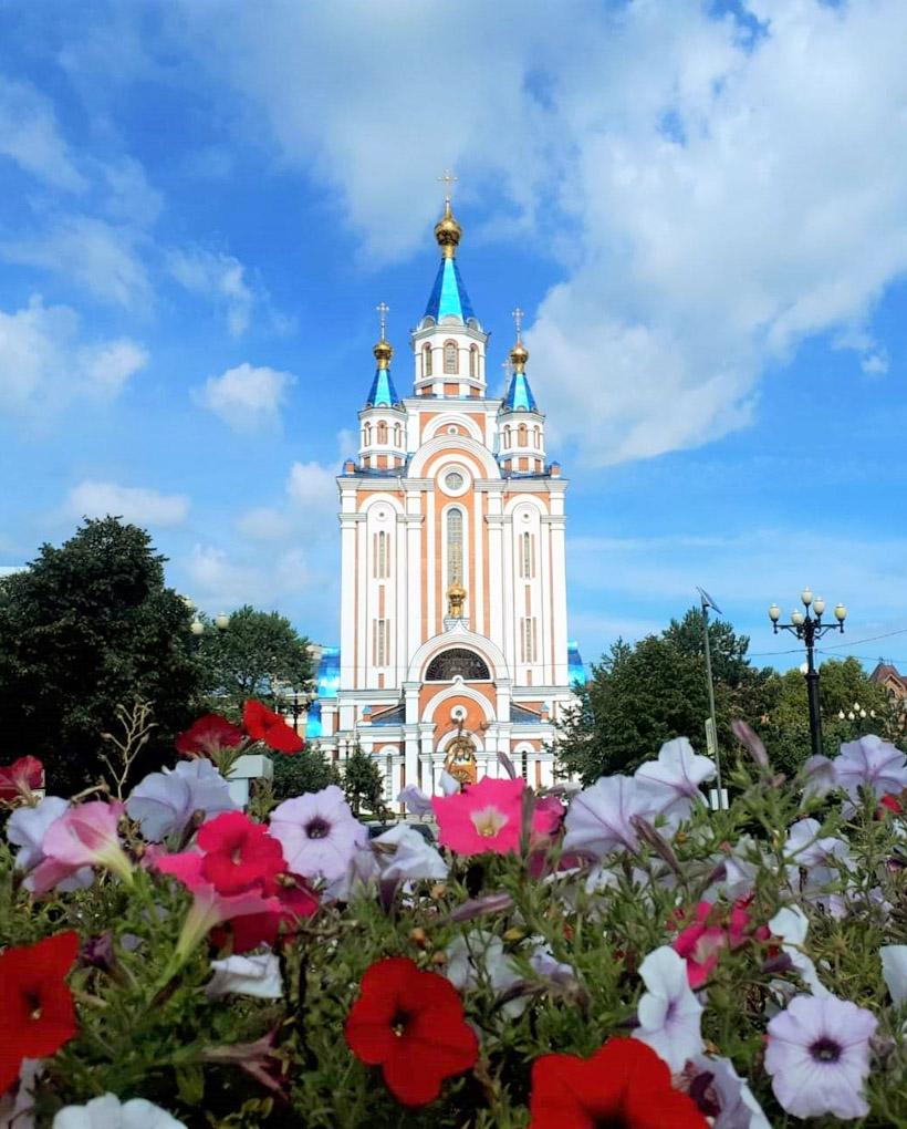 ウスペンスキー教会。高さ58mの美しいシルエットが印象的です