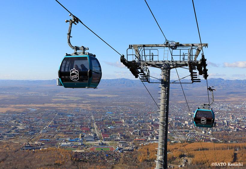 山の空気展望台行きのゴンドラ