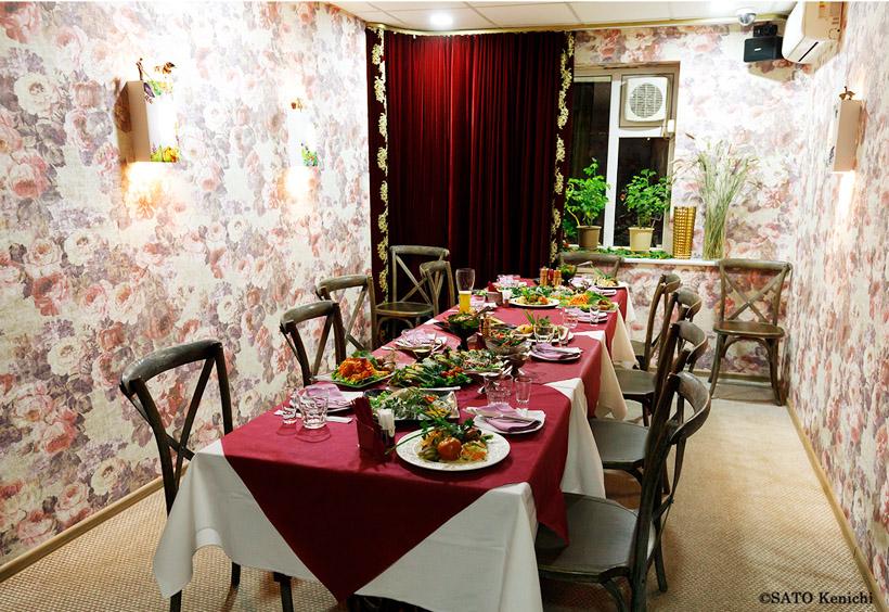 西洋料理からロシア料理までメニューの幅が広く、味も評判です