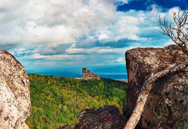 奇跡の石柱「アムルスキエ・ストルビ(アムールの柱)」と先住民族の伝説の旅